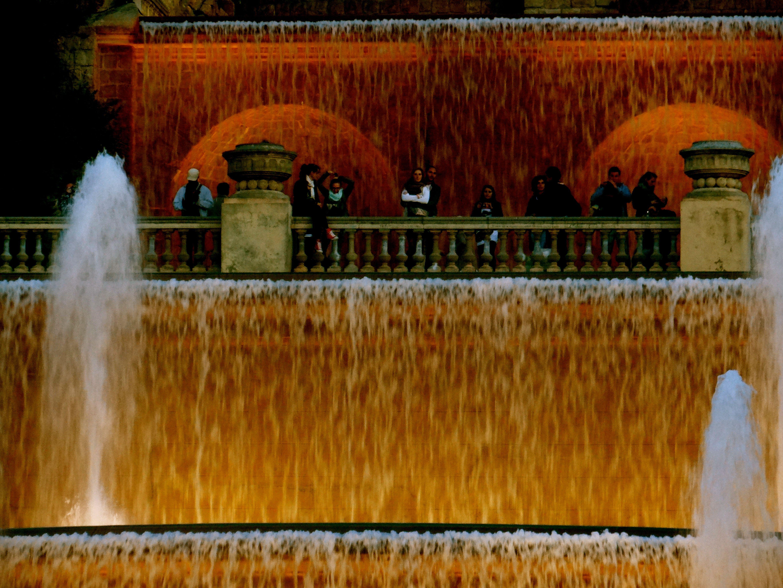 #fountain #watereffect #water falls #light #night #colors #red #orange #effects #watercolors #falls #wonderful #barcelona #spain #bcn #beautiful #water