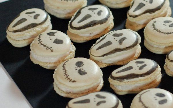Halloween macarons – Scream versus Jack Skellington
