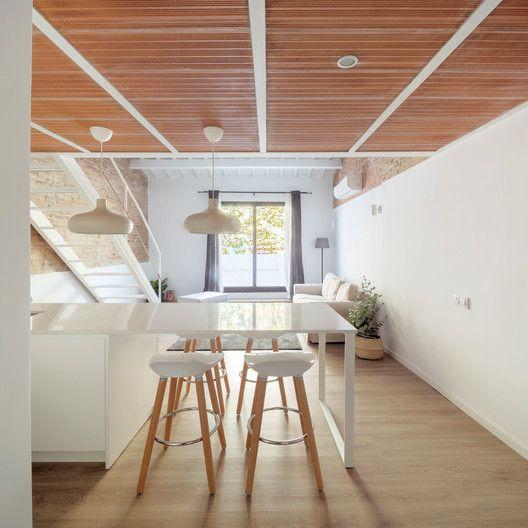 Gallery of Mezzanine House Refurbishment / Sergi Pons architects - 1