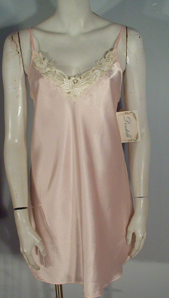 DENTELLE LORD & TAYLOR SHORT PINK LACE TRIMMED BIAS CUT NIGHT GOWN M ...