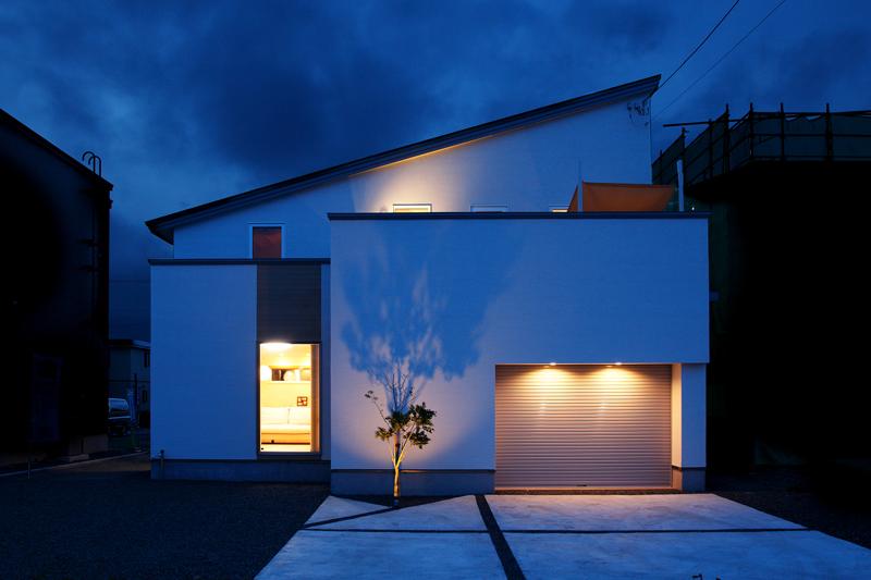住宅 外観 インナーガレージ Dream House 屋上に庭のある家 こだわり