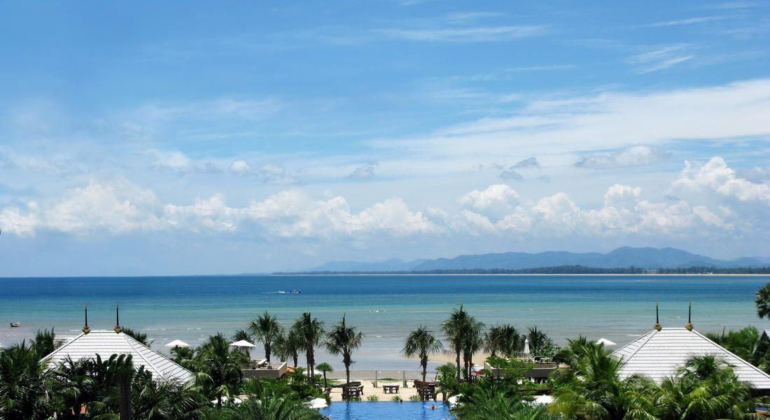 Phuket: digs= Imperial Adamas Beach Resort