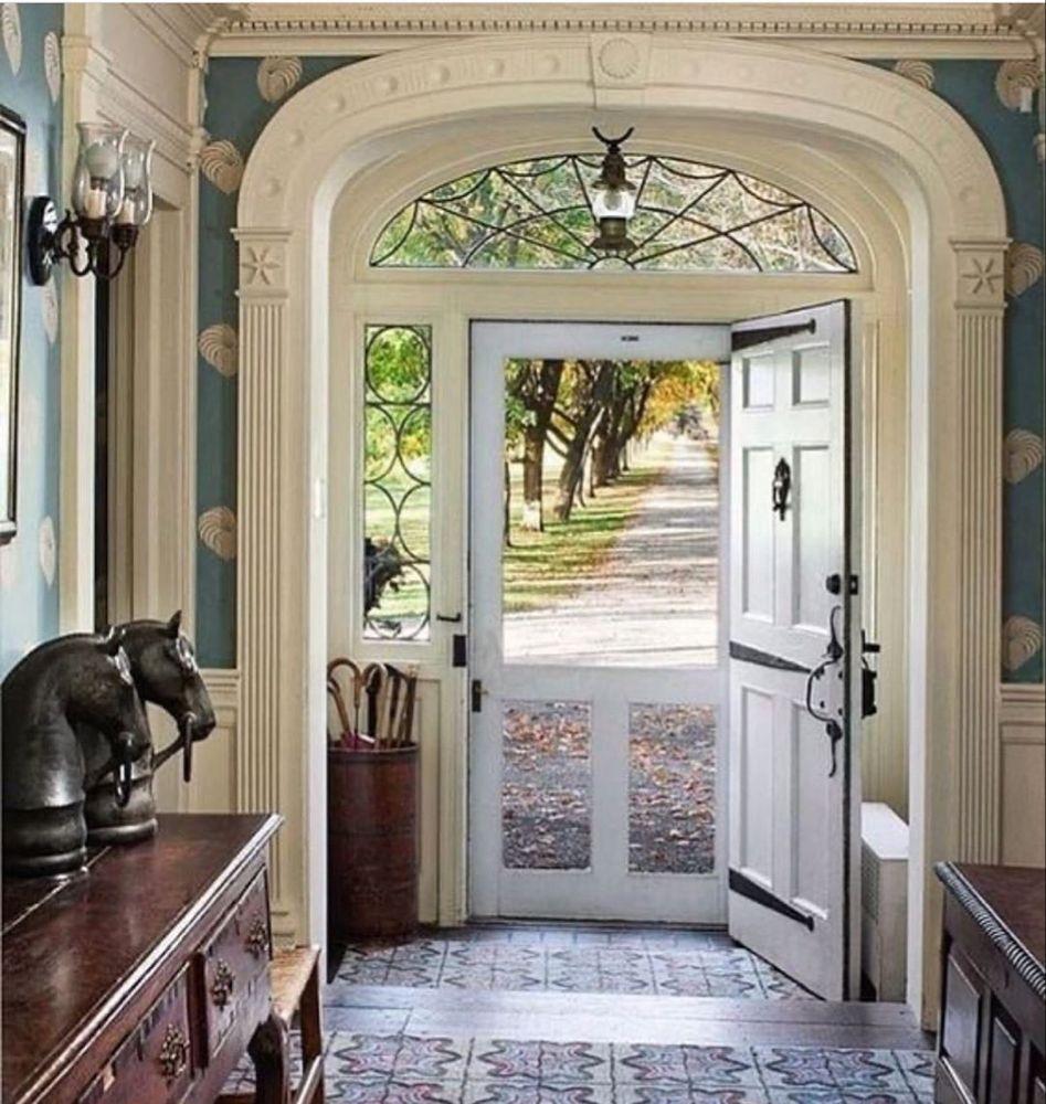 Roman And Ivy On Instagram Screen Door Season Frontdoor Entryway Entrywaydecor Architecturaldetail Dutch Colonial Homes Home Architecture Details