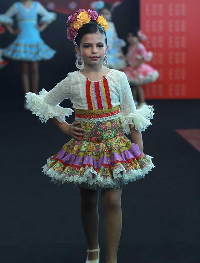 5c62bd326f Conoce las tendencias en moda flamenca infantil para este 2017 (Rocío Ruz    Raúl Doblado)