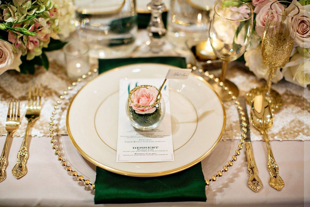 Emerald + Glitter Wedding inspiration | Wedding Tablescape ...