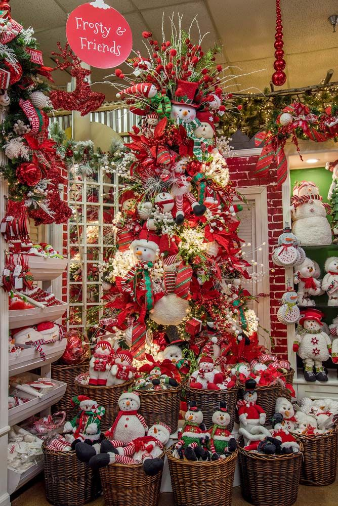 A Christmas Wonderland Decorators Warehouse Christmas Store Luxury Christmas Tree Christmas Decorations