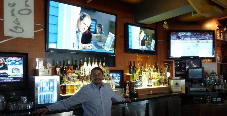 Gretzkyu0027s Interior - Rick, Restaurant Manager Wayne Gretzkyu0027s - bar manager