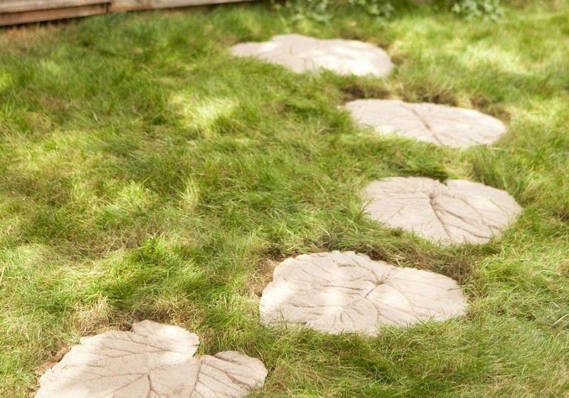 Garten Deko mit Trittsteinen aus Beton selber machen  Garten  Garten deko Garten und Trittsteine