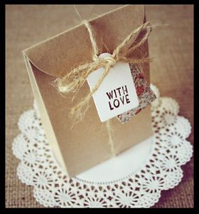 10 Vintage/shabby chic wedding favour bags
