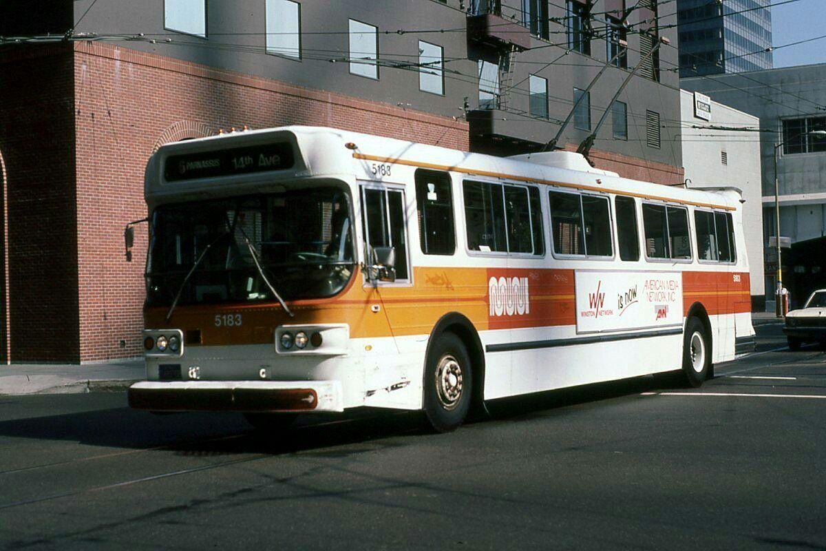 SF MUNI Flyer E800 trolley coach Bus, Coach, Flyer