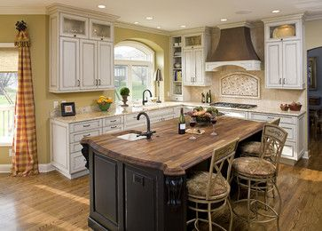 The Look We Re Going For In Our Kitchen Antiqued White Cabinets With Accent Kitche Antique White Kitchen Antique White Kitchen Cabinets Redo Kitchen Cabinets