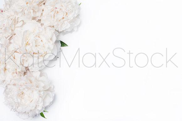 @newkoko2020 #349 KATE MAXWELL Styled Mockup by KateMaxStock on @creativemarket #feminine