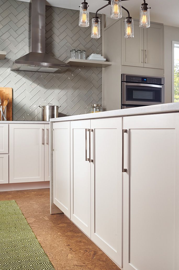 Kitchen Cabinetry Ideas And Inspiration Be Inspired By This White Kitchen Cabinet Design As Kitchen Cabinet Design Masterbrand Cabinets Kitchen Remodel