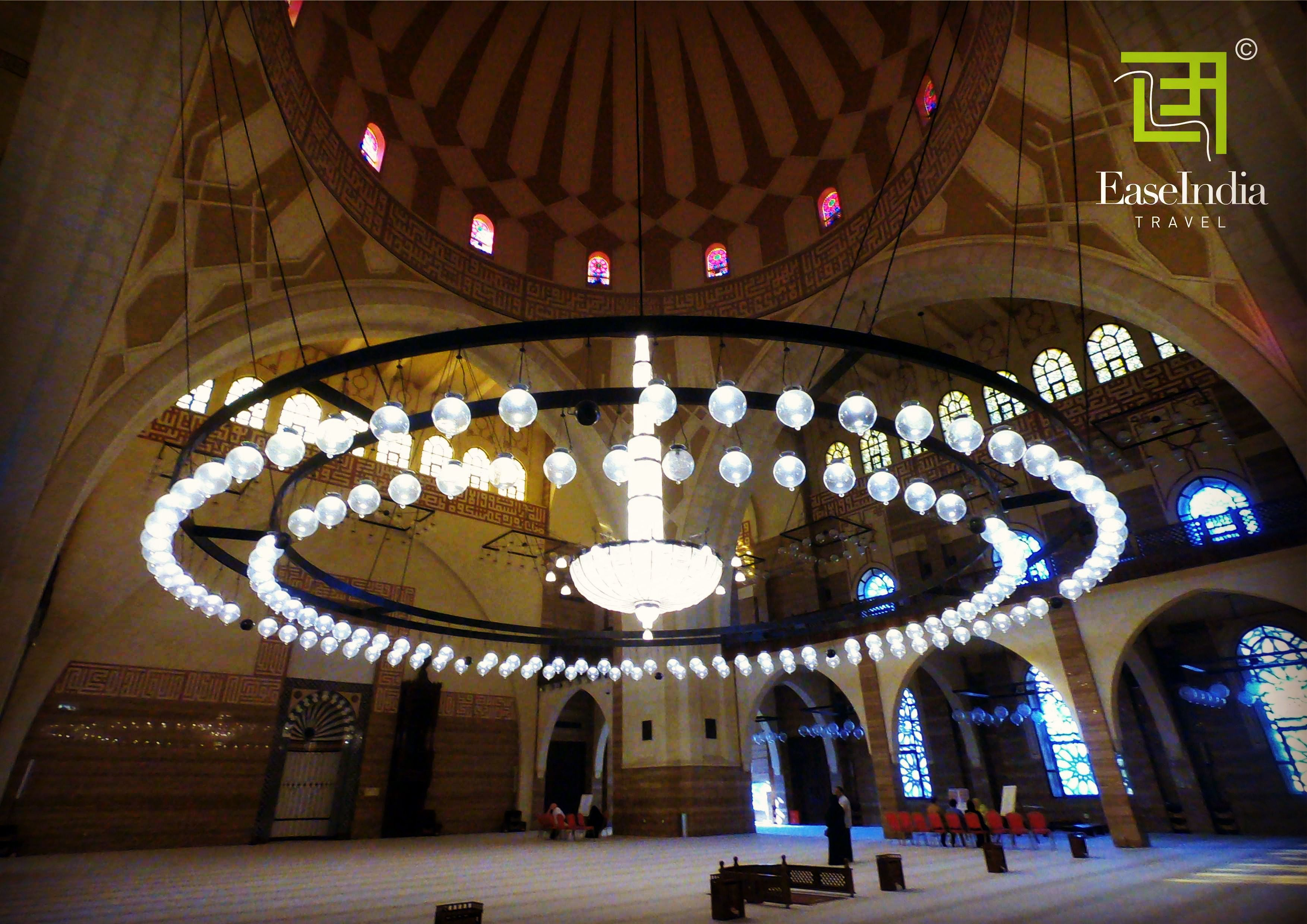 Stunning Chandelier In Bahrain Grand Mosque India Travel Bahrain