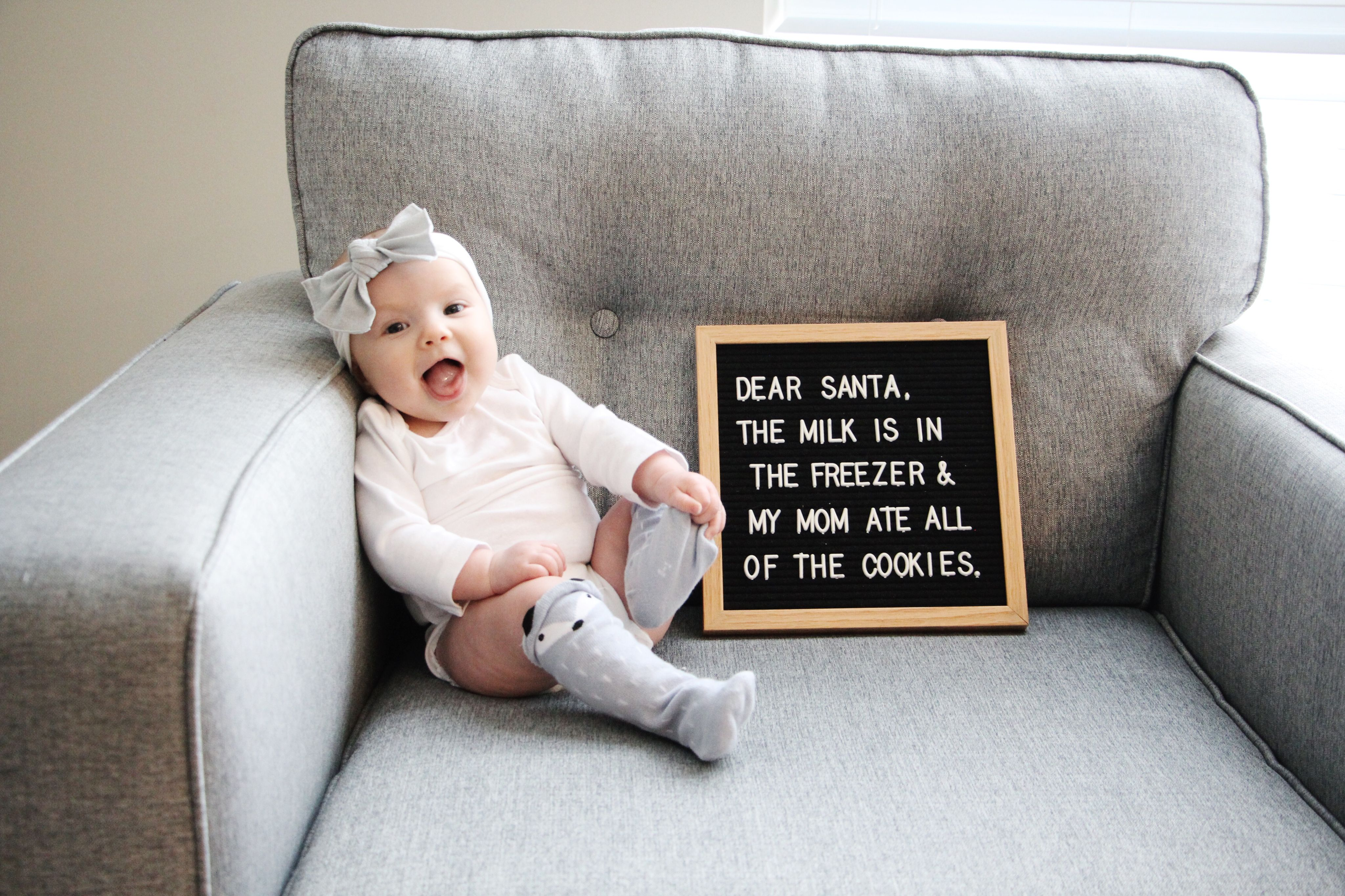 Christmas baby letterboard ideas Baby christmas photos