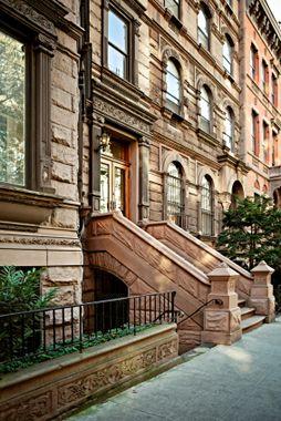 Pin By Belle On Brownstones New York Brownstone Brownstone Homes Brownstone