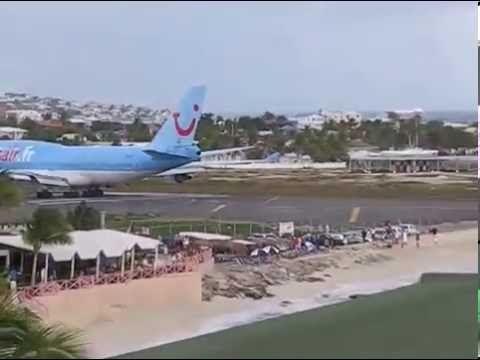 st maarten airport beach