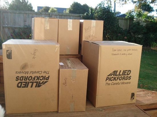 The Best And Cheap Moving Box Kits Prlog Cheap Moving Boxes Moving Boxes Moving Day