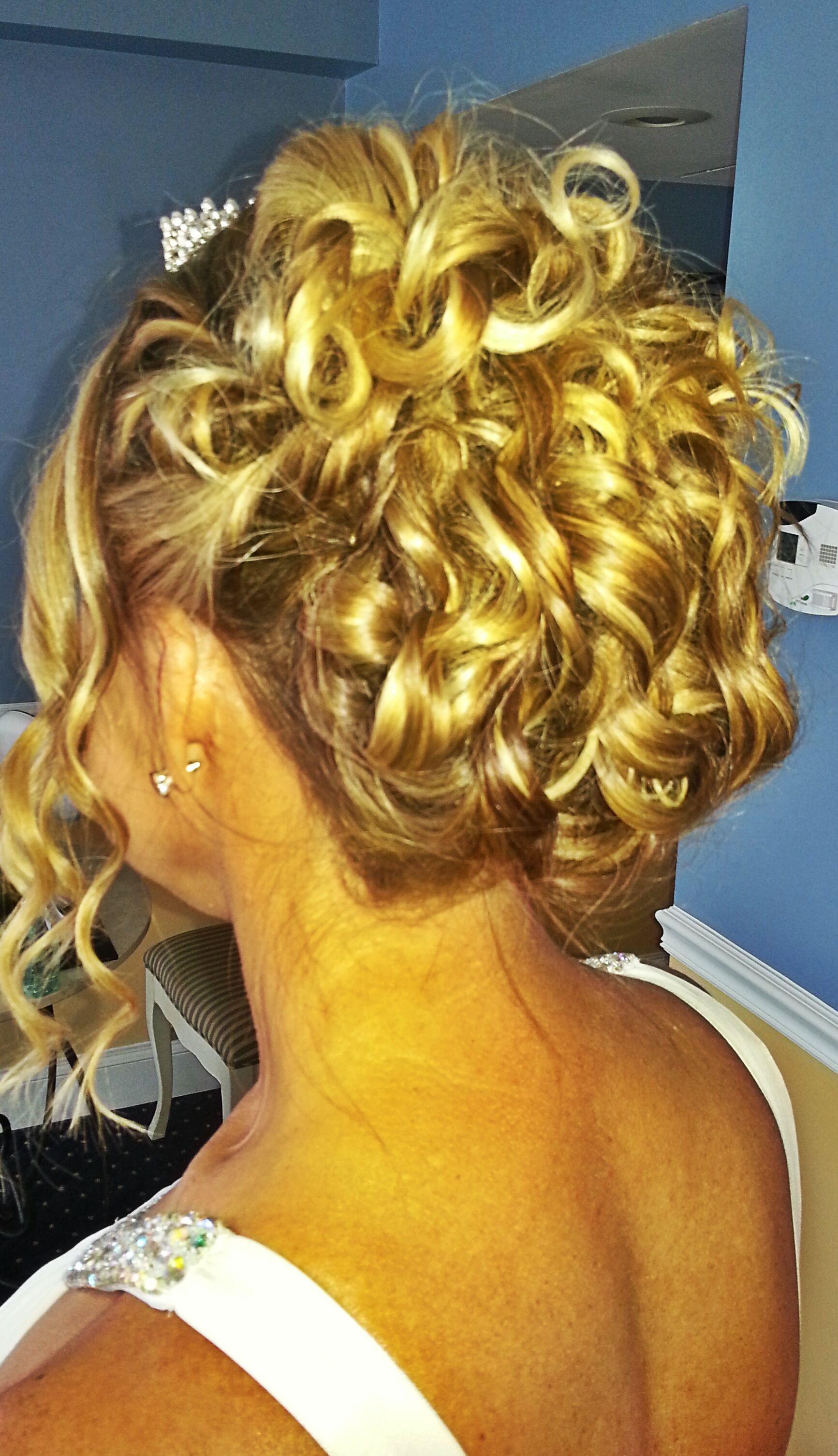 curly beachy updo, bridal hair, orlando hairstylist, wedding