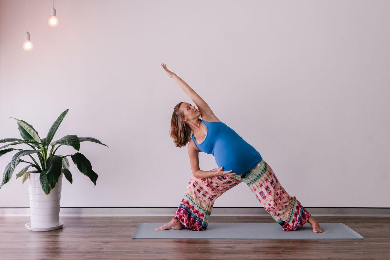 Yoga (With images) Yoga studio decor, Yoga studio home