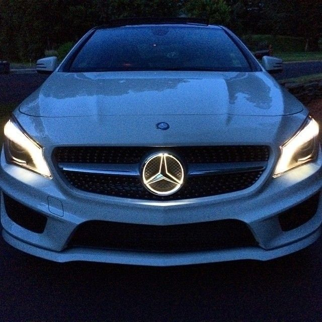 Light up the night with the cla 39 s illuminated star a for Mercedes benz illuminated star