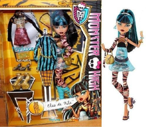 Monster-High-I-LOVE-FASHION-Cleo-De-Nile-3-Outfits-Exclusive-Doll-PlaySet-NIB