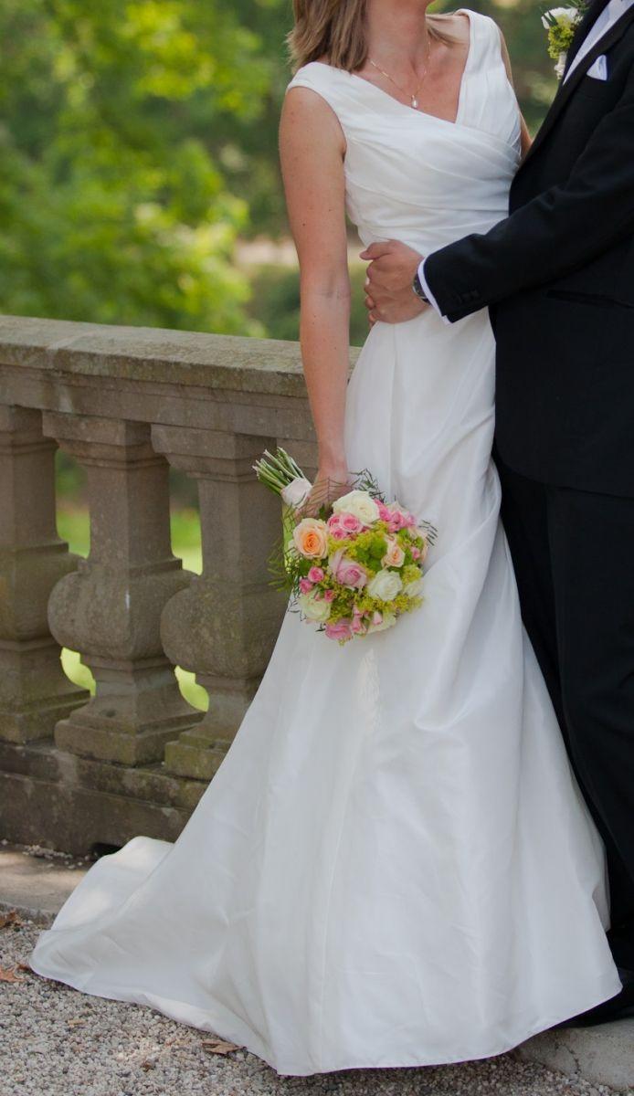 ♥ Weißes Traumhochzeitskleid ♥  Ansehen: http://www.brautboerse.de/brautkleid-verkaufen/weisses-traumhochzeitskleid/   #Brautkleider #Hochzeit #Wedding