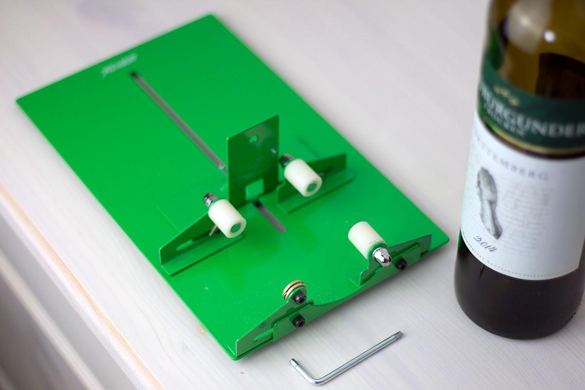 so klappt es garantiert flaschen mit flaschenschneider sauber schneiden glasschneiden. Black Bedroom Furniture Sets. Home Design Ideas