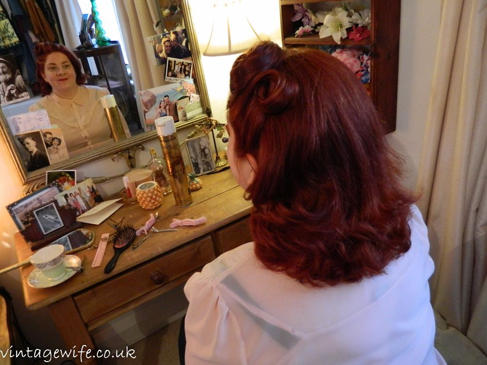 Middy Haircut Google Search 1940s And 50s Rockabilly Style