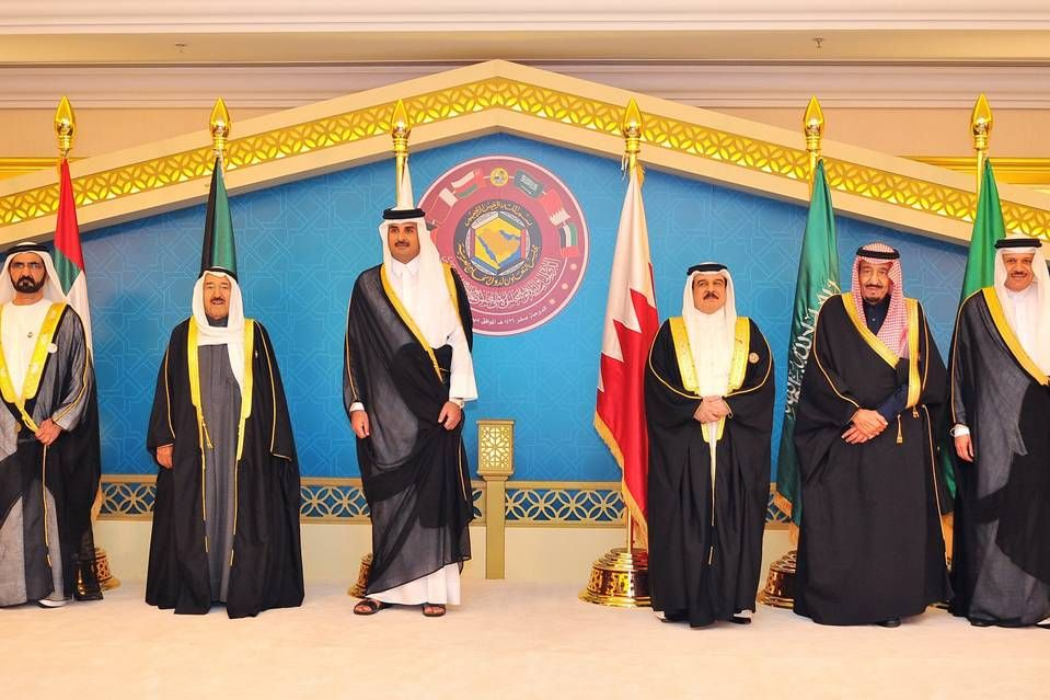 Unscathed By Mideast Turmoil Gulf Monarchies Try To Lead Arab World Monarchy Flower Backgrounds Arab World
