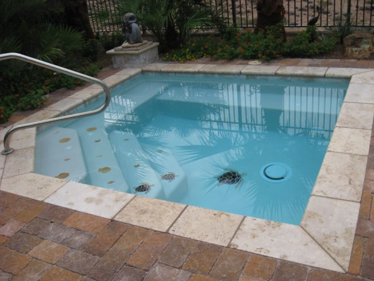 Wonderful Small Pool Ideas For Your Boise Backyard Small Inground Pool Small Pool Design Small Backyard Pools