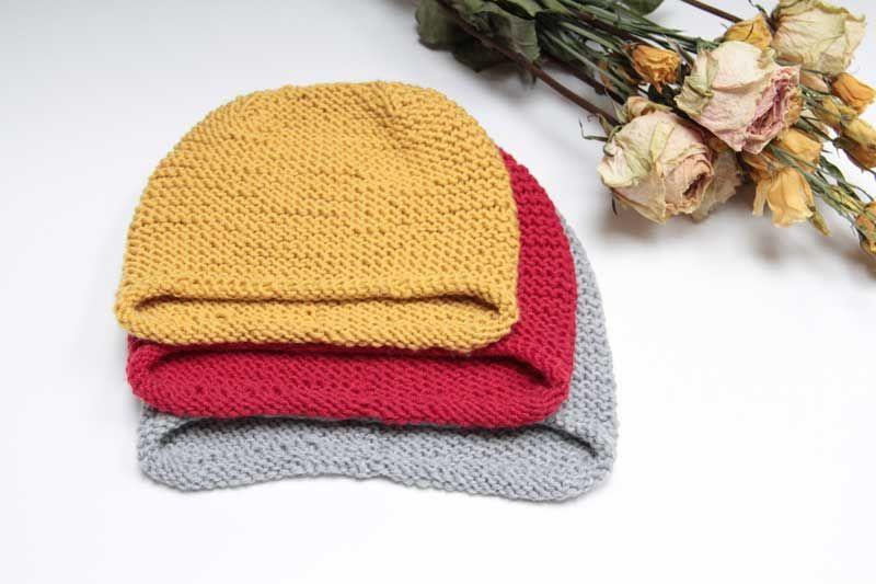 Návod na jednoduchou dětskou nebo dámskou pletenou čepici přes uši 0d1b89397a