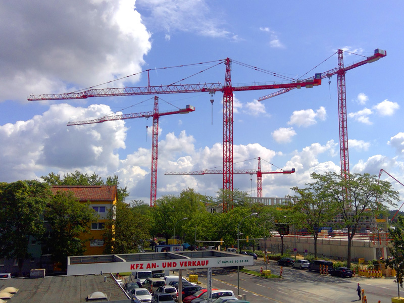 New Police Headquarters In Offenbach Wilbert Towercranes Gmbh In 2020 Construction Site Construction Construction Cost