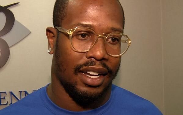 BRONCOS CR3W: Von Miller Eager to Rush the QB with Mentor