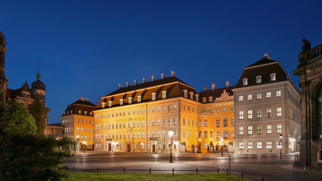 17 Legendary Historic Hotels Inducted Into Historic Hotels Of America And Historic Hotel Worldwide With Images Historic Hotels Hotel Dresden Hotel