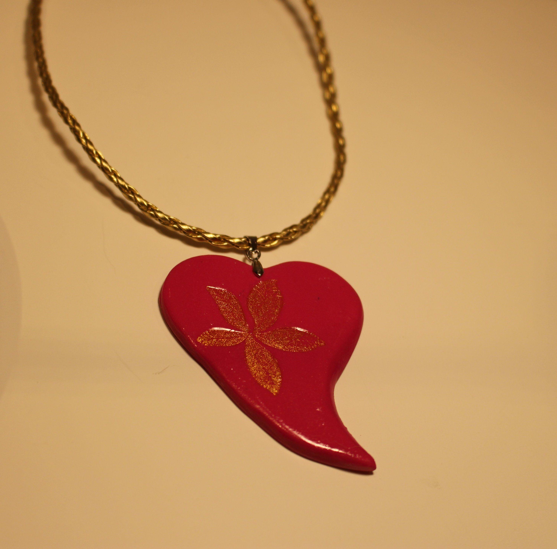 Idée cadeau bijoux Saint Valentin Collier doré Pendentif petit coeur doré