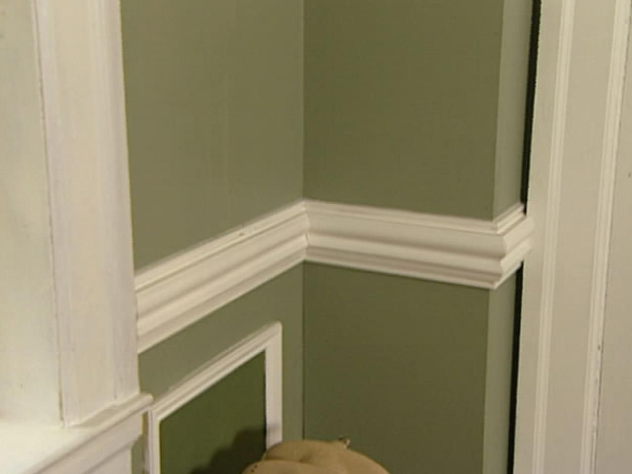 Superior Adding A Chair Rail Part - 13: Mural Of Chair Rail Molding Ideas: Simple Sophistication To Add Texture On  Plain Wall