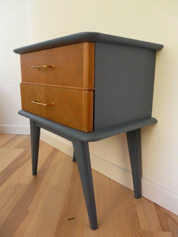 table de chevet vintage annees 60 suffit d 39 une petite. Black Bedroom Furniture Sets. Home Design Ideas