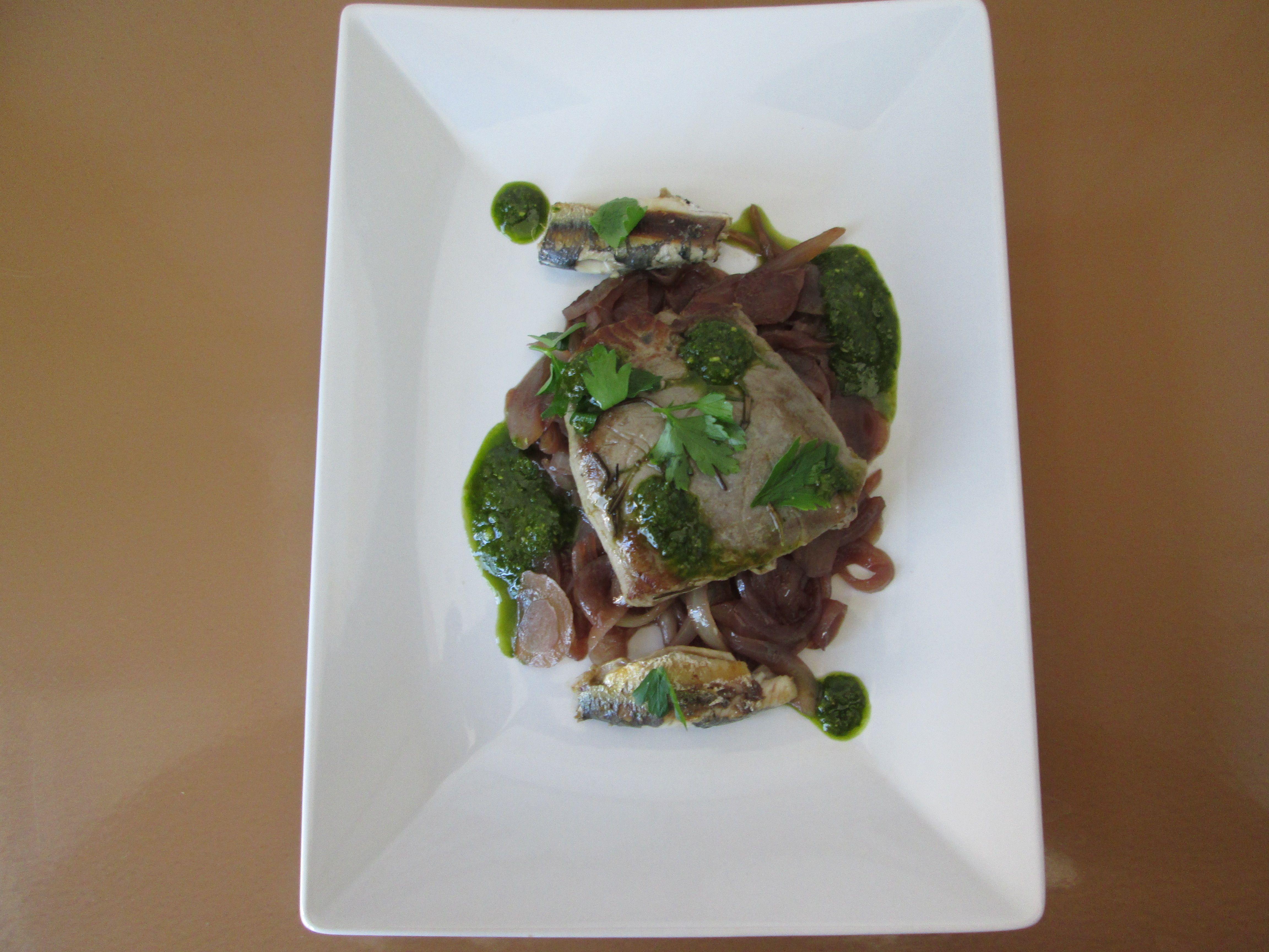 Tonno e  cipolla  all'aceto  di vino rosso  sardine e pesto  al basilico   genovese/   Gino D'Aquino