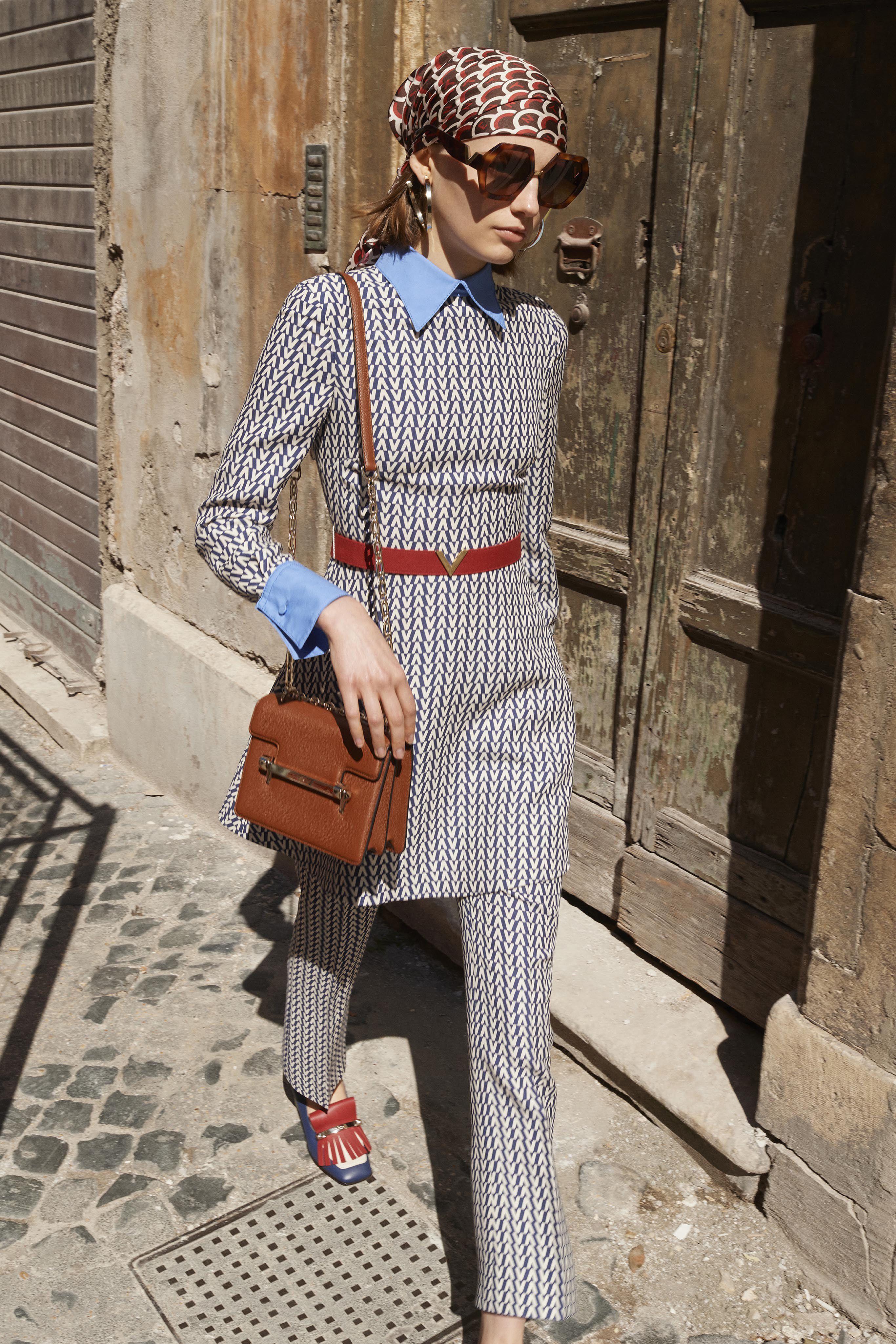 bc7c2718dfe Valentino Resort 2019 Fashion Show Collection  See the complete Valentino  Resort 2019 collection. Look 34