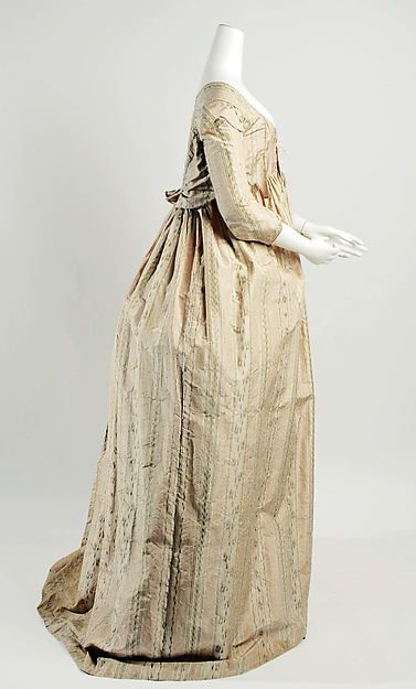 Dress (image 2) | French | 1796-99 | silk | Metropolitan Museum of Art | Accession Number: C.I.60.22.14