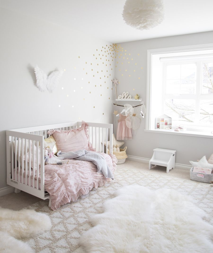 Pinnasängyn käyttö myöhemmin  Pantone's Rose Quartz Makes for the Prettiest Little Girl's Room | Photography : Melissa Barling Read More on SMP: http://www.stylemepretty.com/living/2016/03/14/pantones-rose-quartz-makes-for-the-prettiest-little-girls-room/
