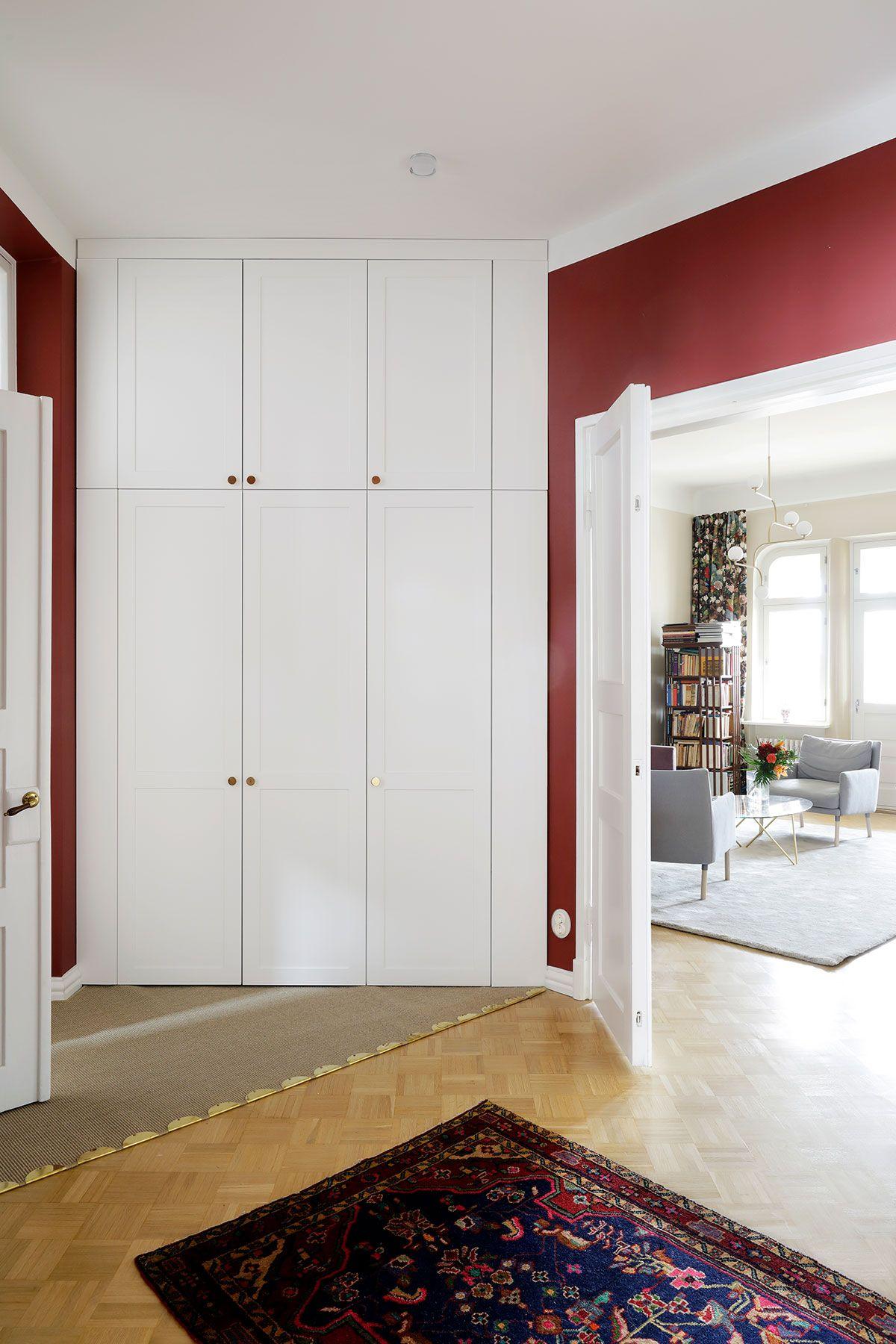 This floortoceiling ENSIÖ wardrobe hides miracles behind