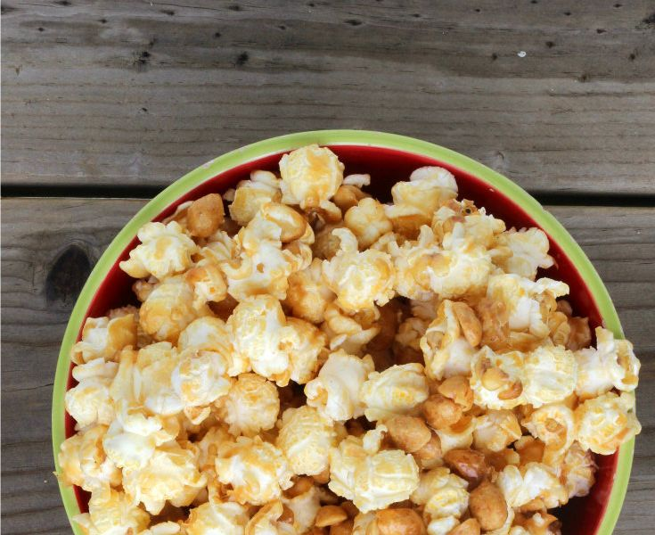 Peanut Butter Popcorn {a sweet treat!}