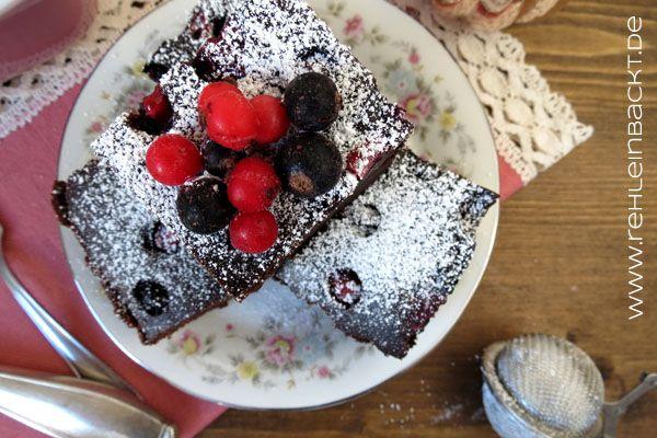 Vegane Brownies mit Waldbeeren *superduperfudgy* | Foodblog rehlein backt