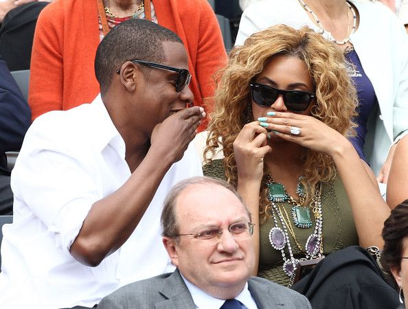 Beyonce Knowles Photos - Jay-Z and Beyonce Knowles watch on as Rafael Nadal (Spain) beats Robin Soderling (Sweden) in 3 sets in the final to win the French Open 2010. French Open 2010, Internationaux de France de tennis 2010, held at Roland-Garros in Paris. - Celebrities at the French Open