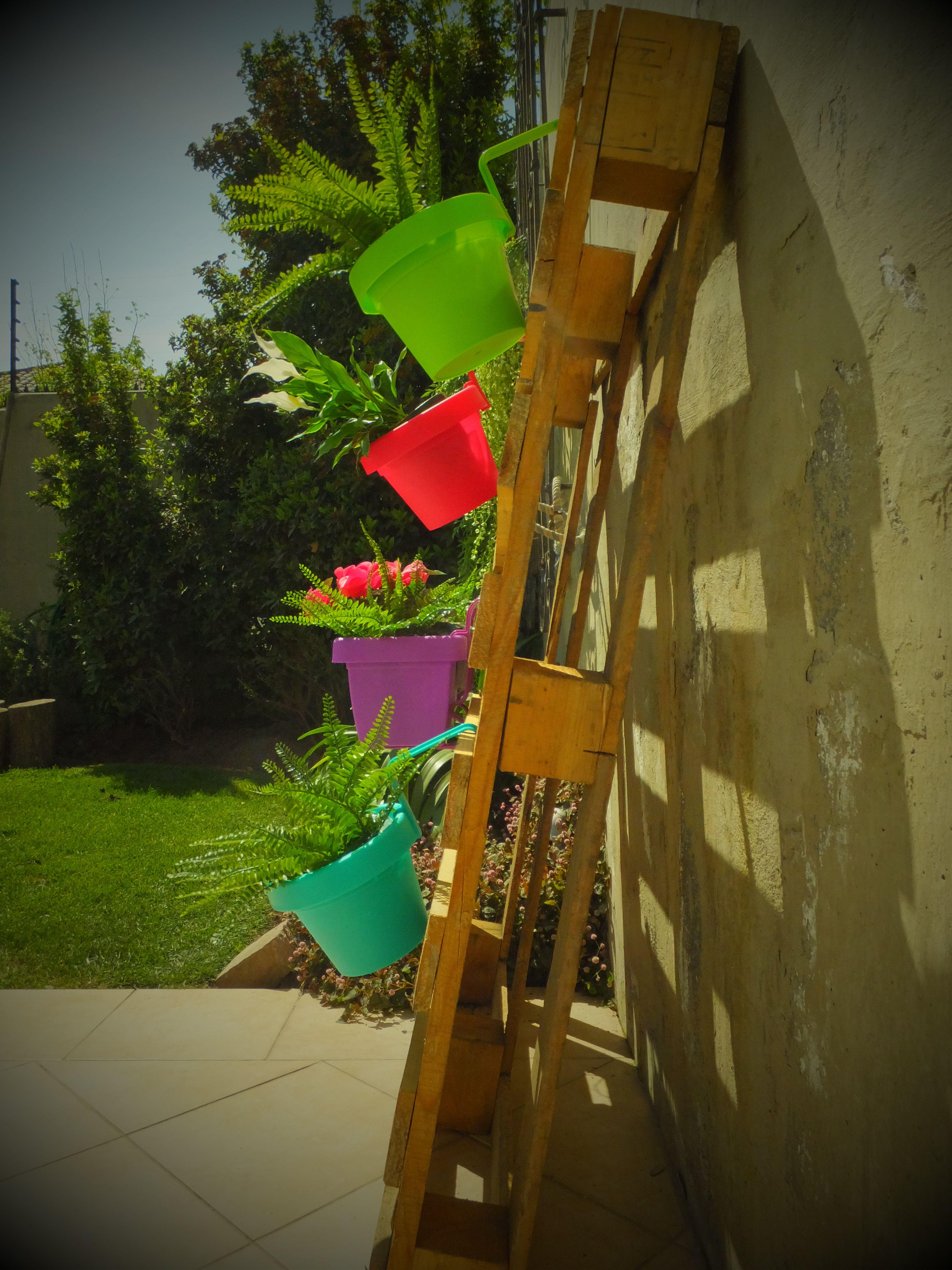 Jardineras de colores jardineras de color terroso en - Jardineras de colores ...