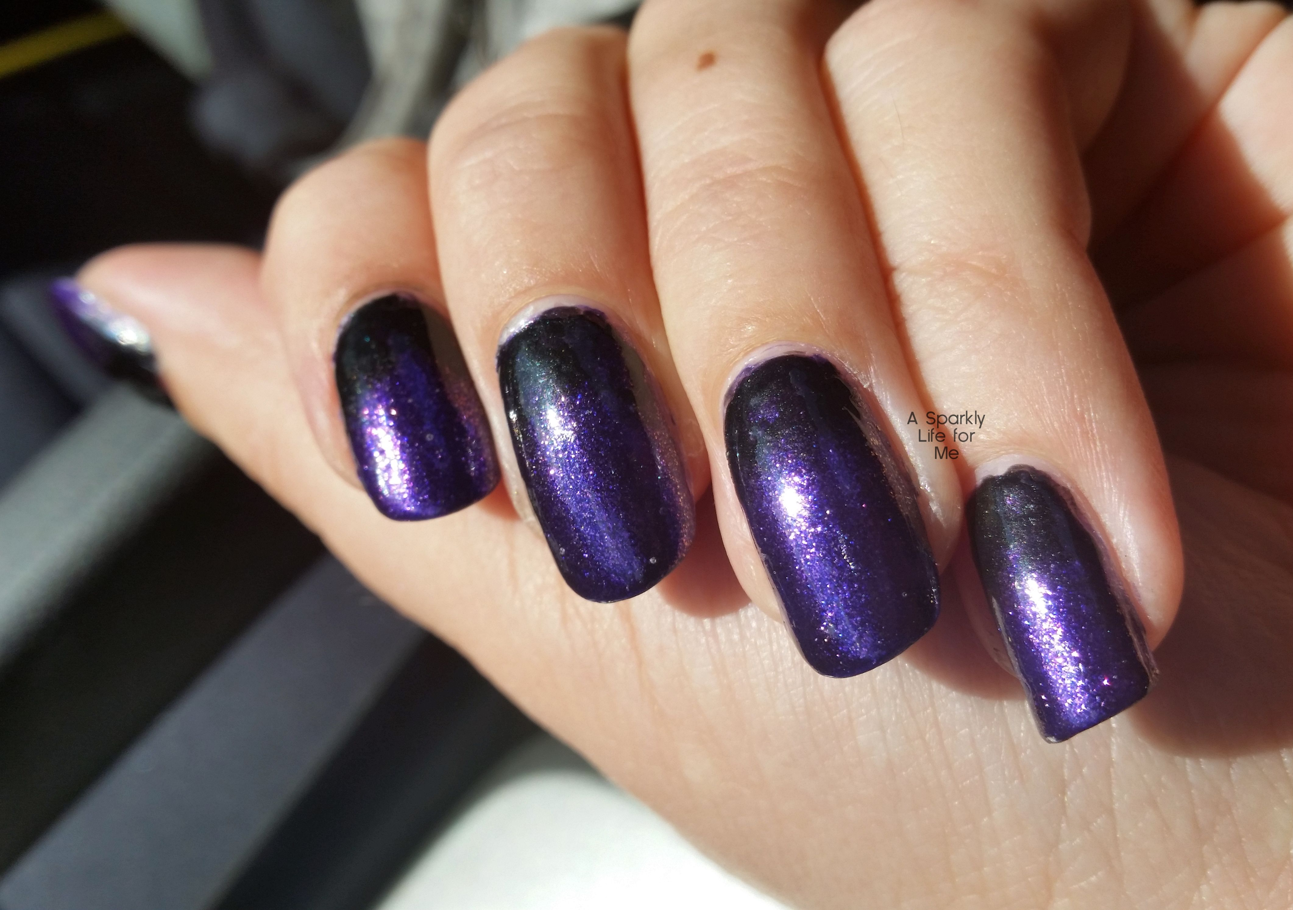 Purple And Black Gradient Nails A Simple Halloween Nail Art Look Halloween Nails Purple Nail Art Designs Purple Nail Art