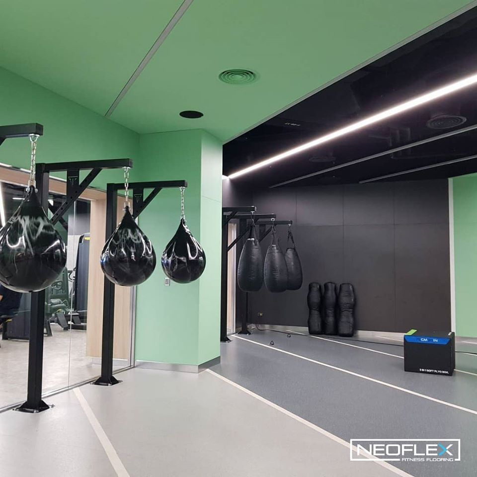 Neoflex Natural Series Fitness Flooring For The Boxingclass At Virginactivethailand S 101 Flagship Club In 2020 Bodenubungen