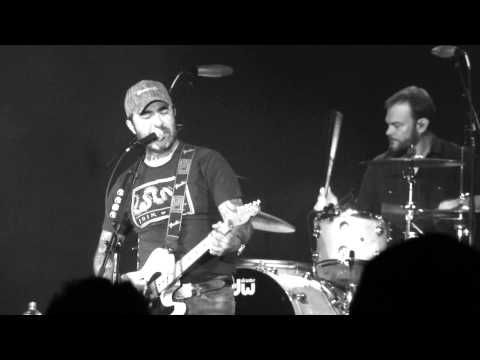 "Aaron Lewis ""Northern Redkneck "" Live 11/15/2014 Golden Nugget Las Vegas - YouTube"